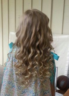 Hadley's beautiful curled hair.