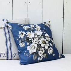 Pale and Interesting - Vintage Daisies and Roses Cushion Cover