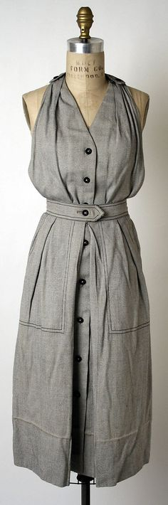 Playsuit with skirt - Clare McCardell 1943. CLOTHES THESE DAYS NEED TO LOOK LIKE THIS!! I'M SO IN LOVE <3 <3