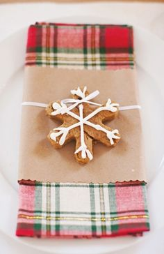 Sweet plaid. A festive napkin & cookie for a place setting.