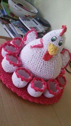 Gallinita con huevos
