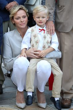 It's always a little sad saying goodbye to Summer, but the Monaco royal family's latest appearance should help ease the pain. On Friday, Prince Albert II and Grace Kelly, Monaco Princess, Princesa Charlene, Prince Albert Of Monaco, Taupe Shoes, Charlene Of Monaco, Monaco Royal Family, Princess Caroline, Picnic In The Park
