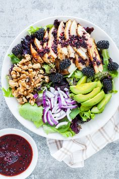 Look at the flavor combo in this Blackberry Chicken Salad! #blackberry #salad #fresh #homesteadrecipes #iamhomesteader
