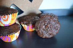 Hot Dog It's a Food Blog: Zucchini & Olive Oil Chocolate Muffins