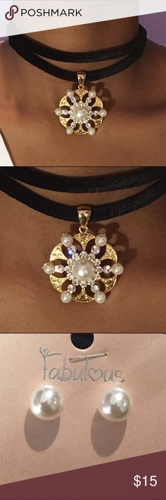 Pearl Pendant Choker Pearl pendant Choker with a black velvet rope. Jewelry Necklaces