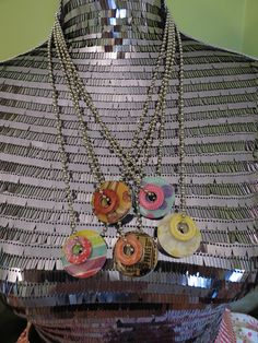 Metal Washer Necklaces - I must make these!