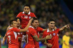 Forwards: Alexis Sanchez (Barcelona), Esteban Paredes (Colo Colo), Eduardo Vargas (Valencia), Gustavo Canales (Union Espanola), Jean Beausejour (Wigan Athletic), Mauricio Pinilla (Cagliari), Fabian Orellana (Celta).