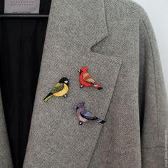 """Купить Брошь """"Тукан"""" - желтый, тукан, птица, брошь птица, брошь с вышивкой, брошь птичка"""