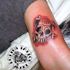 Skull tattoo. #lottustattoo #tattoo #tatuajesdenia #deniatatuajes #denia #skulltattoo #lottustattoodenia. Lottus Tattoo, Black Tattoos, Black And Grey, Skull, Tatuajes, Black Art Tattoo, Back Tattoos, Skulls, Sugar Skull