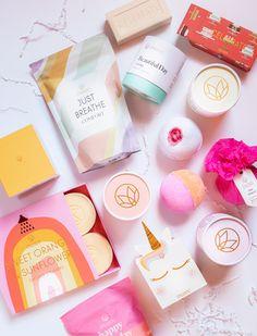 Diy Beauty, Beauty Skin, Beauty Hacks, Makeup Hairband, Bath And Shower Products, Beauty And Beast Wedding, Beauty Packaging, Skin Makeup, Organic Skin Care