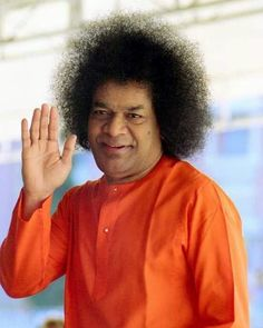 SAIRAM DEAR HAPPY NEW YEAR Creation gets colored by the nature of the glasses we wear. By itself it is eternally Pure and Holy PRANAAM. #sathyasai #saibhakta Sai Baba Hd Wallpaper, Sai Baba Wallpapers, Shiva Lord Wallpapers, Sathya Sai Baba, Sai Baba Pictures, Sai Baba Photos, Good Morning Photos, Morning Images, Good Morning Wishes Friends