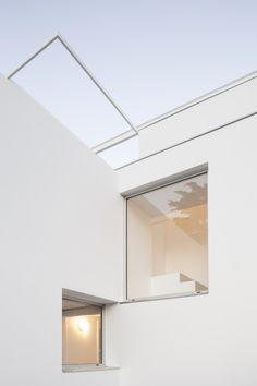 """leibal:  """"PH Thames is a minimalist residence located in Buenos Aires, Argentina, designed by Alonso & Crippa. The original building is over a century old, and is situated in a historic residential neighborhood. The area is slowly transforming into a..."""