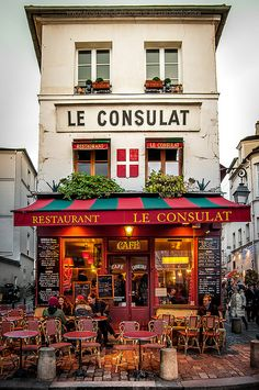 Montmartre, Paris, France We've been here twice and it is so lovely and evocati. - Montmartre, Paris, France We've been here twice and it is so lovely and evocative of all things a - Oh Paris, I Love Paris, Paris Cafe, Paris 2015, Places Around The World, Oh The Places You'll Go, Colmar Alsace, Beynac Et Cazenac, Belle Villa