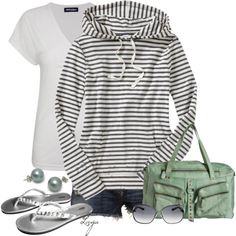 Cute outfit. Little splash of color with the mint handbag. Nice hoodie for those bonfire nights:)