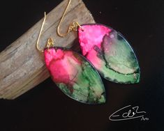 Freue mich, euch diesen Artikel aus meinem Shop bei #etsy vorzustellen: Besondere Ohrringe in Pink und Grün aus der Rêves de Mèr Collection Artisan Jewelry, Drop Earrings, Pink, Etsy, Jewlery, Earrings, Silver, Gifts, Nice Asses
