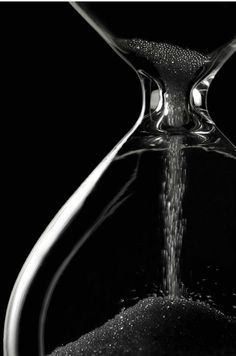 ☾ Midnight Dreams ☽ dreamy dramatic black and white photography - hourglass Black N White, Black And White Pictures, Color Black, Black Sand, Matte Black, Black Silver, Photo Images, Jolie Photo, Shades Of Black