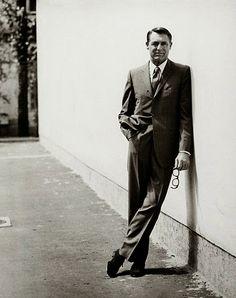 """""""La simplicité, pour moi, a toujours été l'essence du bon goût."""" / """"Simplicity, to me, has always been the essence of good taste."""" Cary Grant"""