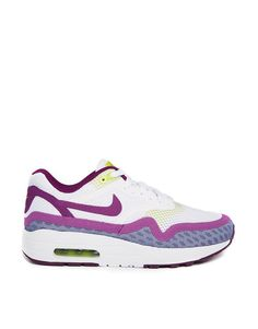 sports shoes 1806a 3f533 Get this Nike s basic sneakers now! Click for more details. Worldwide  shipping. Nike