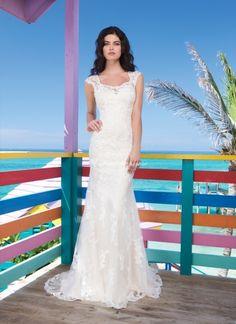 3785, Sincerity Bridal