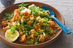 Roasted Pumpkin & Quinoa Salad This zesty salad is low-fat, heart friendly and quick to prepare - perfect! Pumpkin Quinoa Salad, Roast Pumpkin Salad, Quinoa Salad Recipes, Vegetarian Recipes, Cooking Recipes, Healthy Recipes, Healthy Treats, Delicious Recipes, Healthy Foods