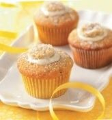 How to Make Banana Cupcakes With Cream Cheese Frosting by faith carlson