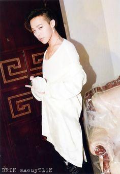 G-Dragon [THE BEST OF BIGBANG 2006-2014] Photobook