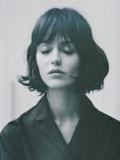 The best collection of Cool Short Haircuts for Women, latest and best short haircuts, short hairstyles, short hair trends 2018 2019 Hairstyles With Bangs, Pretty Hairstyles, Hairstyle Ideas, French Hairstyles, Ladies Hairstyles, Updo Hairstyle, Short Hair Cuts For Women, Short Hair Styles, Trendy Mood
