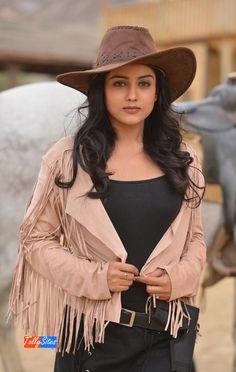 Indian Actress Gallery, Indian Actress Photos, Indian Bollywood Actress, Beautiful Bollywood Actress, Beautiful Indian Actress, Beautiful Actresses, Beautiful Girl Image, Beautiful Models, Beauty Full Girl