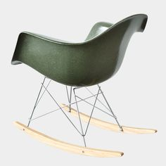 Eames RAR Olive Green Dark @joinknl