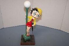 "Betty Boop ""Singing in the Rain"" porcelain figurine"