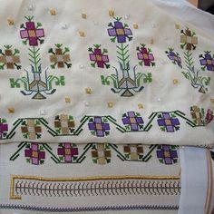 Photo from hesapisi Embroidery Stitches, Hand Embroidery, Forearm Tattoo Design, Bargello, Geometric Designs, Blackwork, Handicraft, Knitting Patterns, Bohemian Rug
