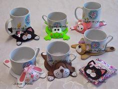 Dog mug rug Clay Crafts, Felt Crafts, Fabric Crafts, Sewing Crafts, Diy And Crafts, Sewing Projects, Craft Projects, Arts And Crafts, Felt Coasters