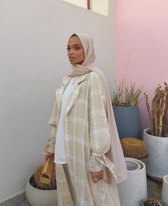 clothes plus size Modern Hijab Fashion, Modesty Fashion, Abaya Fashion, Muslim Fashion, Look Fashion, Nude Outfits, Fashion Outfits, Modest Outfits Muslim, Mode Ootd