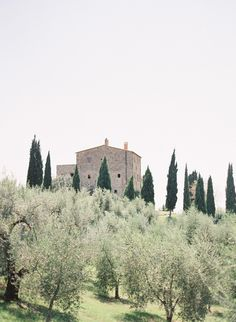 What a magical location for your destination wedding - Tuscany. Here as photographed by Jose Villa.