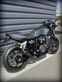 Yamaha XJR 1300 by Garage9 #motorcycles #caferacer #motos | caferacerpasion.com