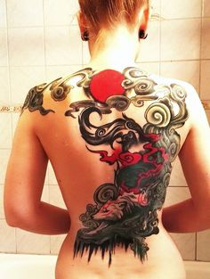 After 19 hours with the needle, my back tattoo is finally finished. The design is originally an illustration done by one of my favourite dA artists:&nbs. Okami back tattoo Back Tattoo Women, Back Tattoos, Leg Tattoos, Body Art Tattoos, Girl Tattoos, Tattoos For Women, Tatoos, Japanese Back Tattoo, Japanese Tattoo Women