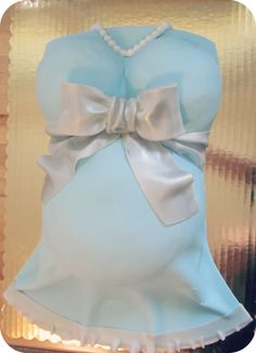 Tiffany blue baby bump cake!