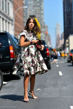 looking fabulous. #NatashaGoldenberg staying tres chic in Rochas with her baby bump.