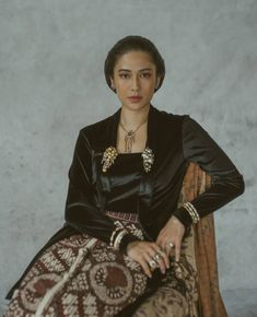 Kebaya Modern Dress, Kebaya Dress, Kebaya Hijab, Top 14, Kebaya Jawa, Dress Brukat, Javanese Wedding, Creative Fashion Photography, Model Kebaya