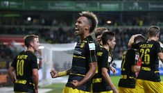 Borussia Dortmund beat Freiburg 3-1 to join Bayern Munich at the top of Bundesliga table #FCBayern  Borussia Dortmund beat Freiburg 3-1 to join Bayern Munich at the top of Bundesliga table  Berlin: Title contenders Borussia Dortmund twice hit the woodwork as they beat Freiburg 3-1 to join leaders Bayern Munich at the top of the Bundesliga.  Dortmund who have now scored 14 goals in their last three league games should have killed off the match long before Freiburg pulled a goal back on the…