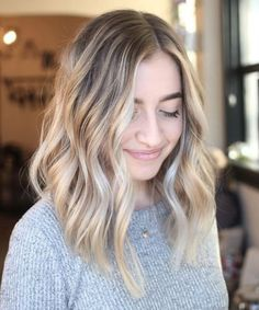 16 Of The Most Wanted Medium Ombre Hairstyles for Women to Fuel Your Style Addiction Blonde Balayage Mid Length, Brown Blonde Hair, Blonde Color, Dark Hair, Blonde Bayalage, Baylage, Red Balayage, Hair Colour, Blonde Lob Hair