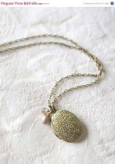 HOLIDAY SALE Antique Gold Oval Locket Freshwater Pearl Necklace