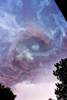 Beautiful stormy sky Pick your colors from nature Blue, Purple, Rose, Cream All Nature, Science And Nature, Amazing Nature, Nature Water, Storm Clouds, Sky And Clouds, Black Clouds, Beautiful Sky, Beautiful World