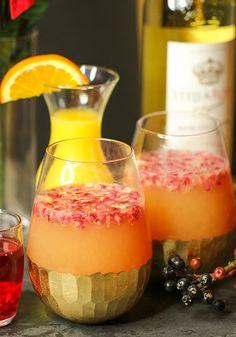 Stella Rosa Pom Pom Punch Holiday Cocktail  http://stellarosawines.com/cocktails/pom-pom-punch/