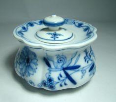 Meissen Dresser Jar with Lid – Blue Onion Pattern.