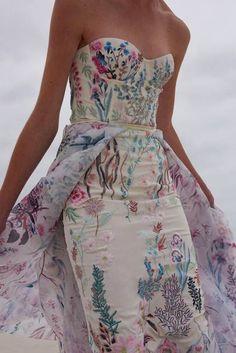 Unusual Wedding Dresses For The Non-Traditional Bride  0c39e78d8dfea