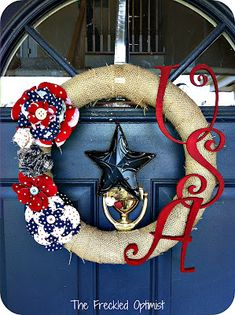 The Freckled Optimist: of July Wreath! Love the USA lettering idea. 4th Of July Party, Fourth Of July, 4th Of July Wreath, Patriotic Crafts, July Crafts, Patriotic Wreath, Holiday Wreaths, Holiday Crafts, Holiday Ideas