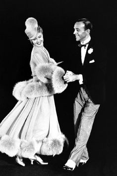 "Ginger Rogers and Fred Astaire in The Story of Vernon & Irene Castle. "" Ginger rogers does every thing Fred Astaire does only back wards"" Golden Age Of Hollywood, Vintage Hollywood, Hollywood Stars, Classic Hollywood, Hollywood Gowns, Hollywood Couples, Hollywood Glamour, Ginger Rogers, Fred Astaire"