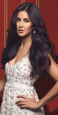 Katrina Kaif Hot Pics, Katrina Kaif Images, Katrina Kaif Photo, Beautiful Bollywood Actress, Most Beautiful Indian Actress, Beautiful Actresses, Modele Hijab, Bollywood Celebrities, Indian Celebrities