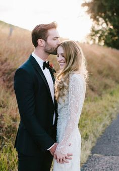 KATH   CALEB http://hellomay.com.au/article/kath-caleb-elegant-byron-bay-wedding-photographer/